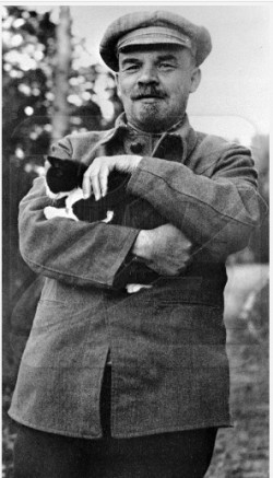 Never Trust Anyone Who Doesn T Like Cats Lenin